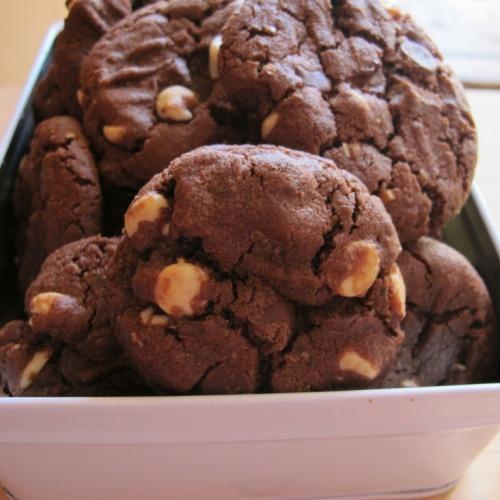 Mocha double chocolate cookies in tin