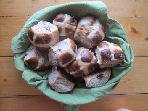 Hot cross buns in a basket